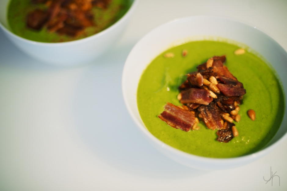 Paleo Broccoli coconut soup